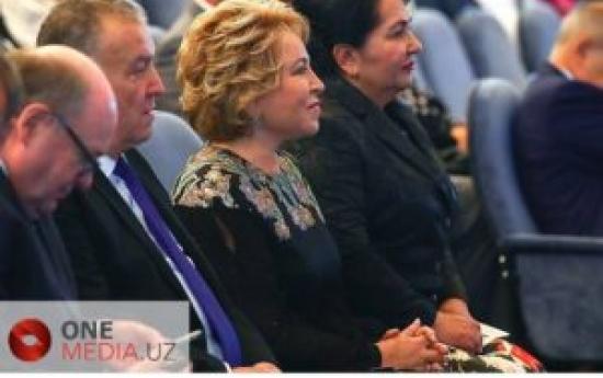Валентина Матвиенко и Танзила Нарбаева побывали в Русском Драматическом театре Узбекистана